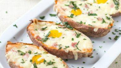 Photo of Ouă coapte în cartofi dulci cu bacon și mozzarella