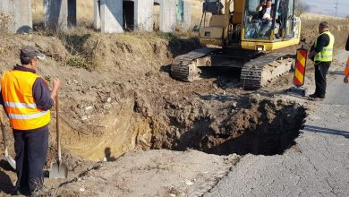 Utilajele au apărut pe drumul Hunedoara – Călan, după mai bine de doi ani de la momentul depunerii proiectului la ADR Vest