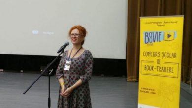 Photo of Dacă România ar avea la clasă o profesoară ca ea, sistemul de educaţie ar fi de nota 10.