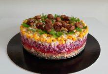 Photo of Salată în straturi cu pui, ciuperci, porumb, cartofi, sfeclă roșie – Salată Poienița