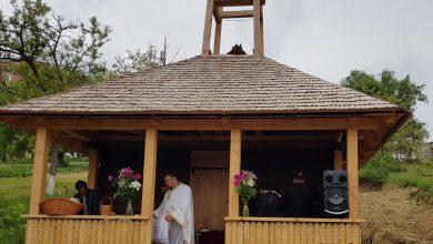 """Photo of (Galerie foto)Strămutarea bisericii cu hramul """"Sfânta Cuvioasa Paraschiva"""" din satul dispărut Baștea în Municipiul Hunedoara"""
