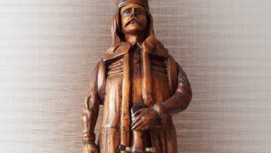 """Photo of ,,Un om lângă inima lemnului"""" – o expoziție dedicată celor pasionați de formele pe care le ia lemnul în mâna unor artiști desăvărșiți"""