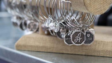 Photo of (P) Când ar trebui să-i cumperi iubitei brățări personalizate din argint?