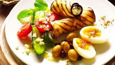 Photo of Rulouri de vinete cu ouă și salată de roșii