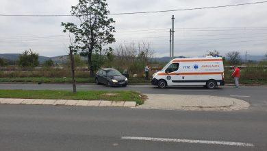 Photo of Accident spectaculos pe Calea Zarandului din Deva. Un autoturism a acroșat un ciclomotor.