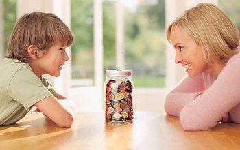 Photo of Șase moduri în care îți poți învăța copilul care este valoarea banilor