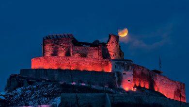 Photo of Luna si Cetatea…două frumuseți – Fotografia zilei